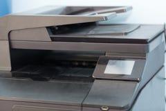 Imprimantes et copieurs de bureautique photos stock