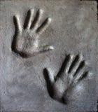 Impronta della mano in mortaio immagine stock libera da diritti