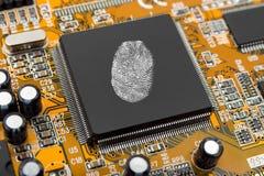 Impronta digitale sul chip di computer Immagine Stock Libera da Diritti
