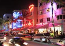 Impulsión del océano, el centro del Miami Beach Art Deco District Imagenes de archivo