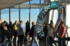 Impulsion de ville à l'un World Trade Center à New York City Images stock
