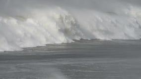 Impulso de tempestade, quebra maciça da onda filme