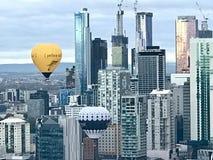 Impulso dell'aria calda sopra la città di Melbourne fotografia stock libera da diritti