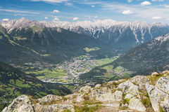 Imst und Gasthaus-Tal in Österreich lizenzfreie stockfotos