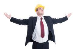 Inżynier, architekt lub kontrahent z, rękami rozpostartymi i outstr Fotografia Stock