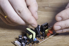 Inżynier elektronika Ręki zakończenie fotografia stock