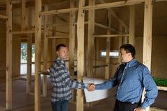 Inżynier i architekt Zgadzający się budynku projekt Obraz Stock