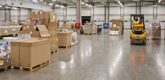 Free In The Big Warehouse Stock Photo - 37103960