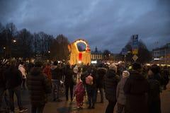 Inaguration Gävlebocken (Gävle-Ziege) vom 29. November 2015 herein Gavle Schweden lizenzfreies stockbild