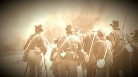 Inbördeskrigsoldater i värmen av den sluttande striden (arkivlängd i fot räknatversionen) stock video