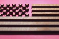 Inbandieri gli Stati Uniti scolpiti da legno, bandiera alla moda immagine stock