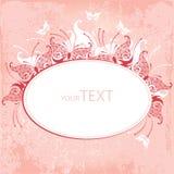 Inbjudankort med den dekorativa fjärilen på en rosa bakgrund Royaltyfri Fotografi
