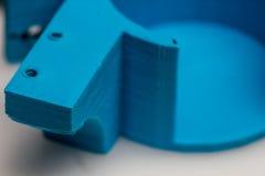 Inblick in i tillstånd av bransch för printing 3d var industriella skrivare byts ut av små fdmskrivare Royaltyfri Foto
