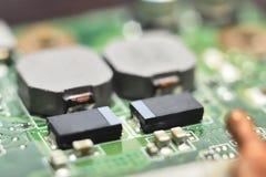 Inbyggt - strömkretsar, dioder, transistorer, vakuumrör Fotografering för Bildbyråer