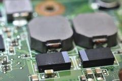 Inbyggt - strömkretsar, dioder, transistorer, vakuumrör Arkivfoton