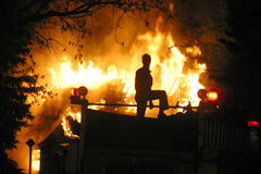 Incêndio da casa imagens de stock