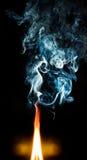 Incêndio e fumo azul Imagens de Stock Royalty Free