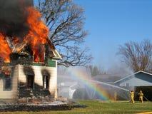 Incêndio perigoso sob o controle Fotos de Stock Royalty Free