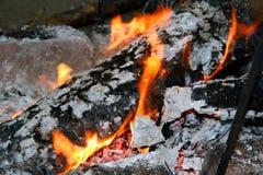 Incêndio Smouldering Imagem de Stock Royalty Free