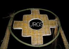 Inca Cross o il Chakana, il simbolo di vecchie culture delle Ande fatte da Totora Reed, il portone su Uros Islands, Perù immagine stock