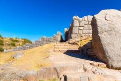 Inca Ruins - Saqsaywaman, Peru, Zuid-Amerika. Archeologische complex, Cuzco. Voorbeeld van veelhoekig metselwerk Royalty-vrije Stock Foto's