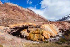 Inca& x27; s-bro nära Mendoza royaltyfria foton