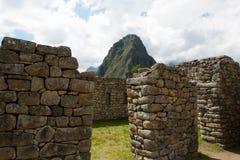 Inca Stone Bricks Construction - Machu Picchu - Peru royaltyfri bild