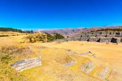 Inca Wall em SAQSAYWAMAN, Peru, Ámérica do Sul. Exemplo da alvenaria poligonal. A pedra famosa de 32 ângulos Foto de Stock Royalty Free