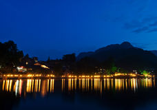Incandescenza di sera fluviale del vecchio della porcellana fiume della città Fotografia Stock