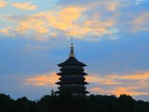 Incandescenza splendida di tramonto della pagoda di Leifeng Immagine Stock