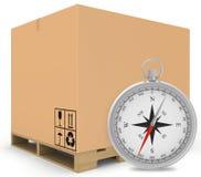 Incarti le scatole coperte sul pallet di legno con la a Fotografia Stock Libera da Diritti