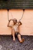 Incatenato sul manichino del prigioniero Fotografia Stock