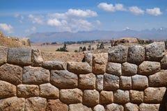 Incavägg i byn Chinchero, Peru Arkivfoto