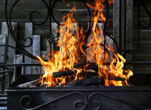 Incendie avec des étincelles photos libres de droits