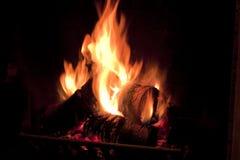 Incendie dans la cheminée. Images stock