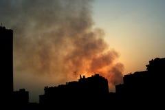 Incendie dans la ville photo libre de droits