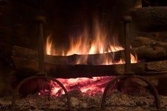 Incendie dans une cheminée Photos libres de droits