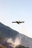 Incendie de forêt de combat Photographie stock libre de droits