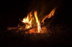 Incendie en nature Bokeh du feu Milieux brouillés Station thermale Images libres de droits