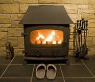 Incendie et foyer de charbon à la maison Images stock