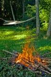 Incendie et hamac image stock