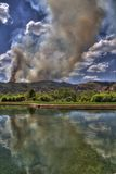 Incendie sauvage de Waldo Canon dans le regroupement de réflexion Images libres de droits