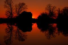 Incendie sur l'étang Image libre de droits