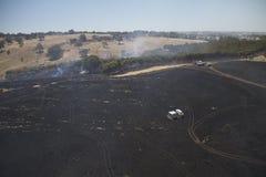 Incendio di arbusti in colline Immagini Stock Libere da Diritti