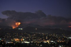 Incendio forestale mortale del cittadino di Los Angeles Immagini Stock
