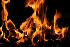 Incendio reale rosso ed arancio luminoso Fotografie Stock