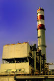 Inceneratore dei rifiuti nel tramonto Fotografia Stock Libera da Diritti