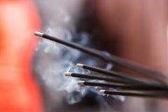 Incense ручки горя в квадрате Durbar, Катманду, Непале Стоковое Фото