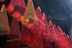 Incense, pagoda de Hoi Quan del hijo de Tam, Cholon (ciudad) de China, Ho Chi Minh City Fotos de archivo libres de regalías