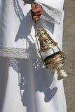 Incensiere di argento o di alpaga per bruciare incenso nella settimana santa immagini stock libere da diritti
